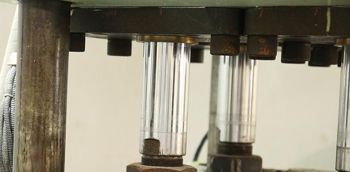 真空加圧製造機