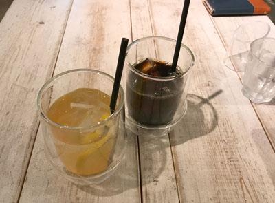 池袋 アインソフソアのジンジャエールとアイスコーヒー