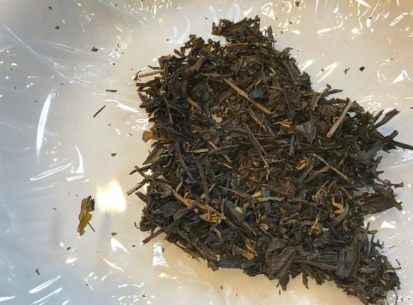 乾燥した茶殻です